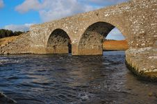 Free Stone Bridge Royalty Free Stock Photo - 2033025