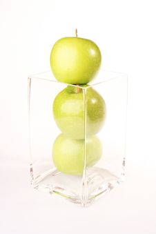 Free Fruit - Apple Isolated Royalty Free Stock Images - 2033969