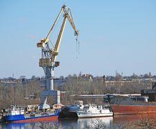 Free Shipbuilding Crane Royalty Free Stock Photos - 2035628