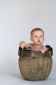 Free Basket Baby Royalty Free Stock Image - 2037066