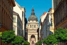 Free St. Stephen Basilica, Budapest Royalty Free Stock Image - 20300306