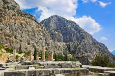 Free Ruins Of Apollo Temple In Delphi, Greece Royalty Free Stock Images - 20300599