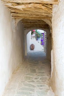 Free Folegandros Island Alley Royalty Free Stock Photo - 20304475
