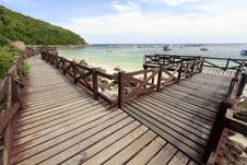 Free Wooden Bridge On Turquoise Seascape Royalty Free Stock Images - 20305959