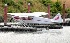 Free Seaplane Parked At The Dock. Stock Photos - 20306243