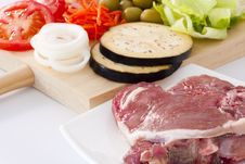 Free Raw Beef Fillet With Vegetables Stock Photos - 20306423