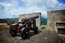 Free Cannon On The Fort Wall Stock Images - 20309504