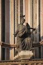 Free Statue With Pigeon Royalty Free Stock Image - 20319976