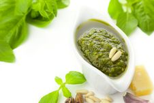 Free Fresh Pesto And Its Ingredients Royalty Free Stock Photo - 20314515