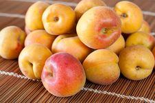 Free Apricot Fruits Royalty Free Stock Photo - 20317755