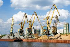 Free Working Cranes Royalty Free Stock Images - 20319899