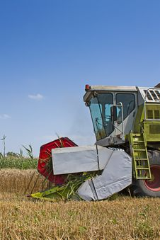 Free Combined Harvester Collecting Wheat Or Barley Royalty Free Stock Photography - 20329537