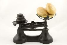 Free Weighing Potatoes. Stock Photo - 20330850