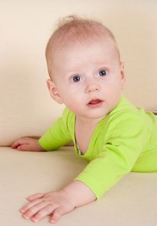 Free Baby On Sofa Royalty Free Stock Photos - 20337708