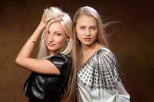 Free Two Beautiful Women Royalty Free Stock Photos - 20345458