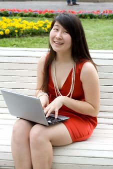 Free Girl Working On Laptop Royalty Free Stock Photo - 20345655