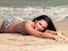 Free Woman Lying On Beach Royalty Free Stock Photography - 20346387
