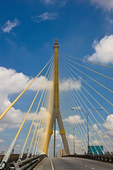 Free Modern Bridge Royalty Free Stock Image - 20347976