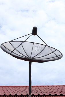 Free Satellite Dish Royalty Free Stock Photos - 20349888