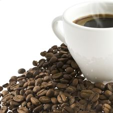 Free Coffee In A Cup Stands On Grains Of Coffee Royalty Free Stock Photography - 20353307