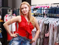 Free Beautiful Young Girl At The Store Stock Photo - 20354190