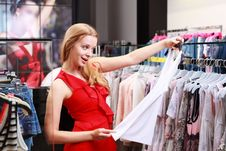 Free Beautiful Young Girl At The Store Stock Photography - 20354192