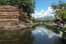 Free Chiangmai Moat And Acient Wall Stock Photo - 20356350