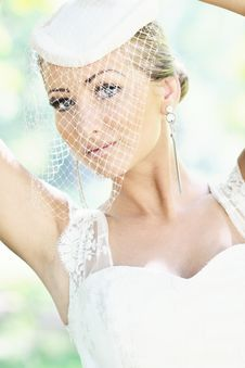Free Beautiful Bride Outdoor Stock Images - 20356664