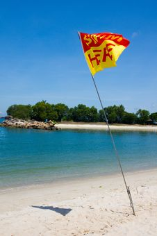 Free Swim Here Flag On Beach Royalty Free Stock Images - 20356829