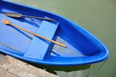 Free Blue Boat In Lake Royalty Free Stock Photography - 20357217