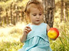Free Cute Little Girl Smiling In A Park Royalty Free Stock Photos - 20357718