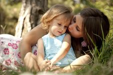 Free Little Girl And Mother In The Park Royalty Free Stock Photography - 20357807