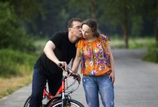 Free Happy Couple At Bicycle Stock Photography - 20359002