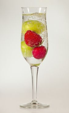 Free Sparkling Fruits Stock Photography - 20361832
