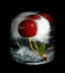 Free Cherry In Ice Royalty Free Stock Image - 20361976