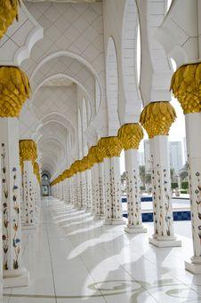 Free Sheikh Zayed Mosque In Abu Dhabi City Stock Photo - 20364660