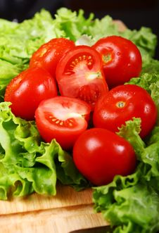 Free Fresh And Wet Tomatoes Royalty Free Stock Photo - 20365145