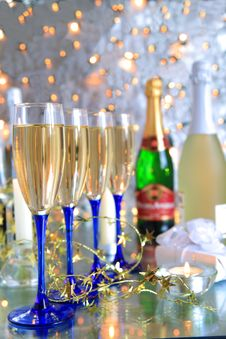 Free Champagne In Glasses,bottles,gift Box Royalty Free Stock Images - 20366719