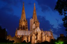 Free Cologne Cathedral At Night Royalty Free Stock Images - 20368259