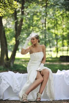 Free Beautiful Bride Outdoor Stock Photography - 20371092