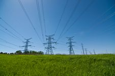 Free Electrical Towers (Electricity Pylons) Royalty Free Stock Photos - 20375248