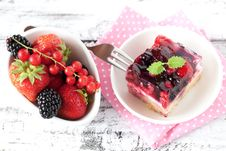 Free Fresh Cake With Berries Royalty Free Stock Image - 20375316