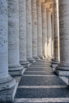 Free Bernini S Colonnade Royalty Free Stock Photography - 20375967