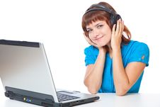 Free Teen-girl Listen To Music In Headphones Royalty Free Stock Photography - 20377077