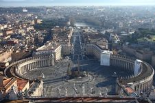 Free Plaza Of St.Peter Royalty Free Stock Photography - 20377377