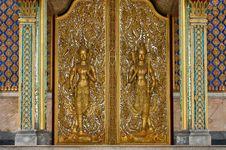 Free Deva Statue On  Door . Stock Image - 20383281