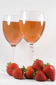 Free Strawberries And Wine Stock Photography - 20384232