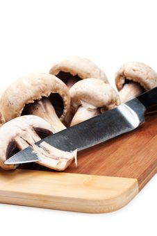 Free Fresh Mushrooms And Knife Stock Images - 20385414