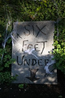 Free Tombstone  Six Feet Under  Stock Photography - 20386662