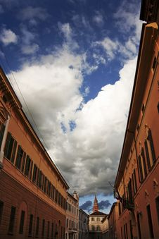 Free Historical Buildings Under A Cloudy Sky Royalty Free Stock Image - 20386806